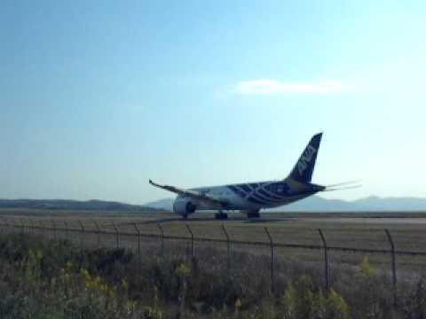 BOEING787@Okayama Airport / B787@岡山空港(2011/10/16)