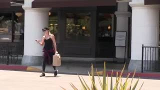 Khloe Kardashian shopping at William and Sonoma in Calabasas