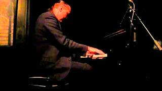 "Jon Weber, stride piano ""It's Only a Papaer Moon"""