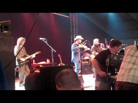 John Prine & Old Crow Medicine Show sing...