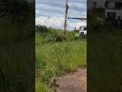 CEB trocando poste em Brasilia