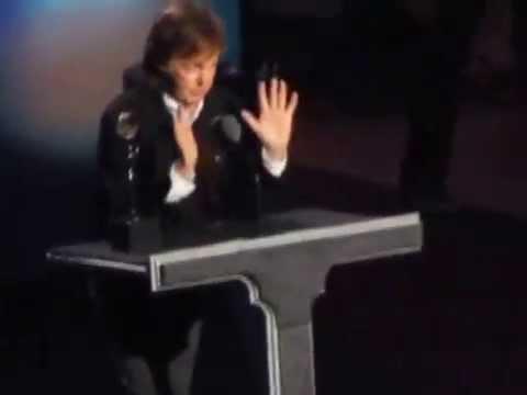 Ringo Starr é incluído no Rock and Roll Hall of Fame
