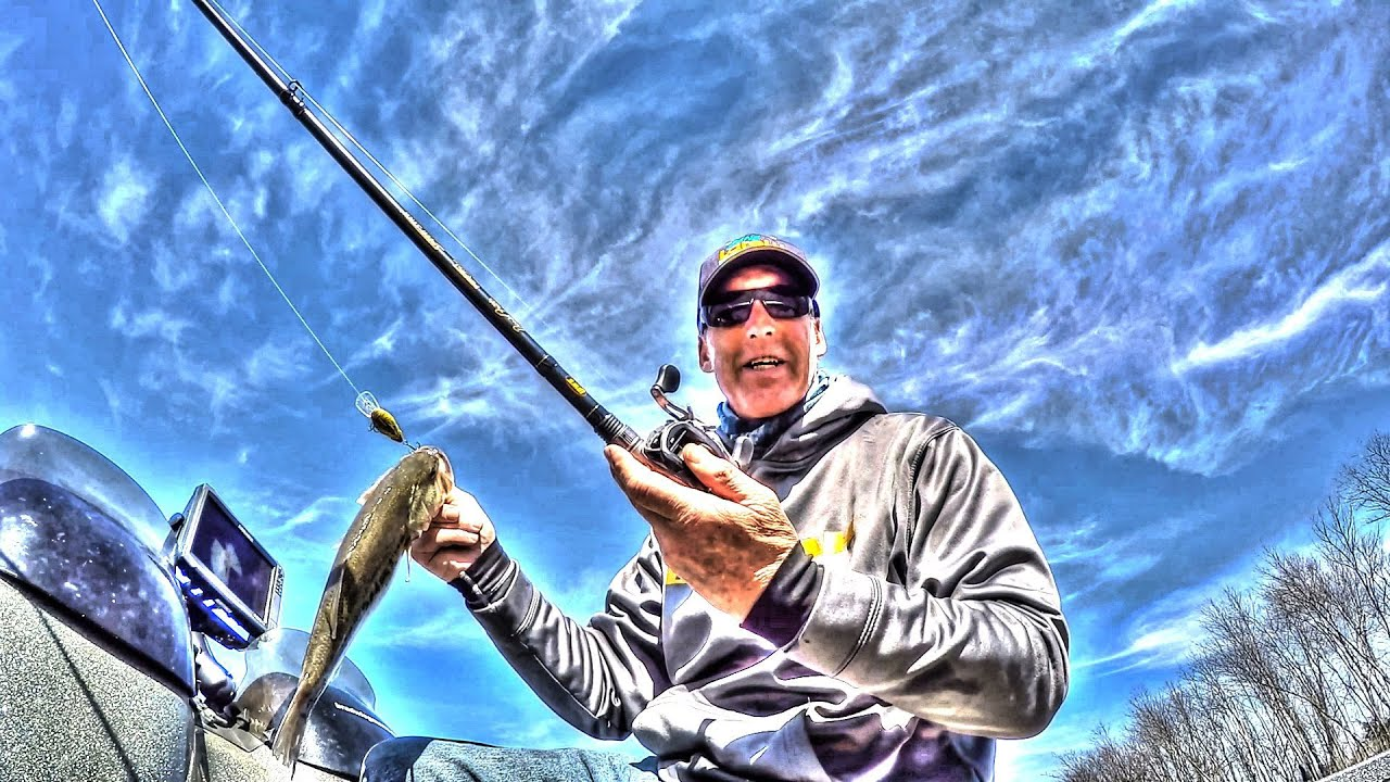 On the water fishing Lew's BB1 Speed Spool reel and David Fritt's Perfect  Crankbait Rod