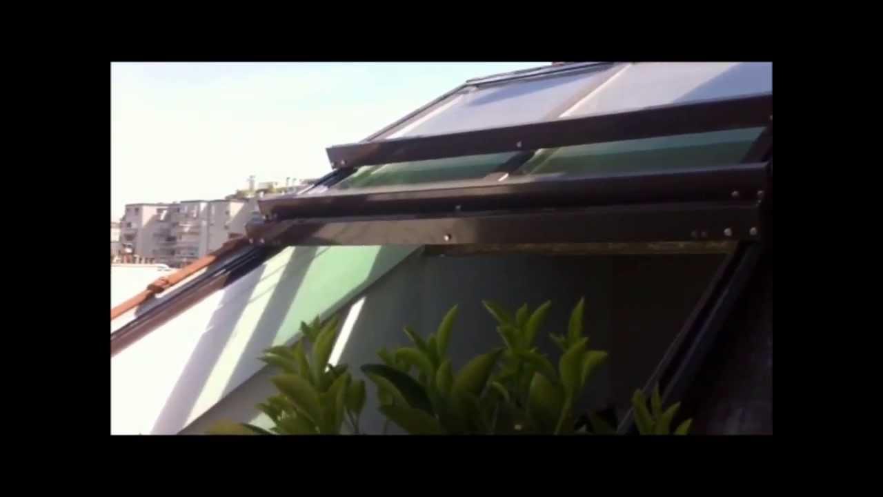 toiture ouvrante avec vue sur les toits de paris youtube. Black Bedroom Furniture Sets. Home Design Ideas