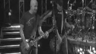 Смотреть клип Sevendust - Beg To Differ
