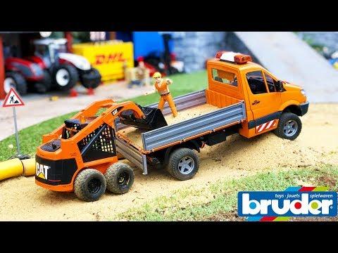 BRUDER TOYS Dodge RAM transports RC bobcat | Transport for kids | Toyz Rule
