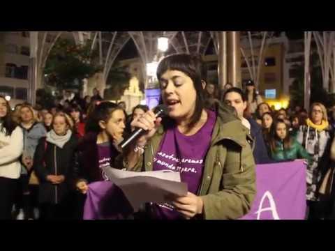 Algeciras se concentra en la Plaza Alta para decir NO a la violencia de género