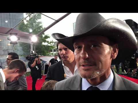 Tim McGraw Interview At 2019 NFL Draft Red Carpet