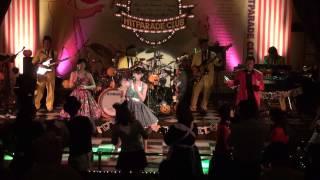 アユミちゃんが歌う「葉山ツイスト」です。 スマホで曲を連続して見たい...