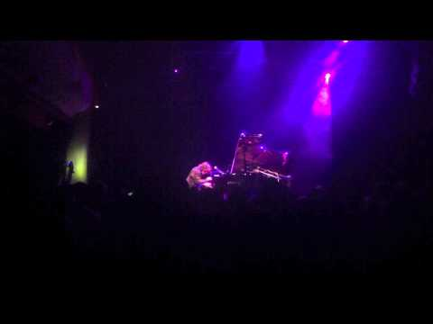 Maxence Cyrin - Around The World (DaftPunk) 22.3.2012 PalacAkropolis
