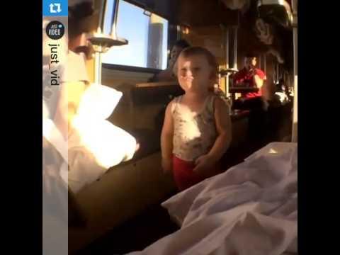 Видео девочка в поезде фото 219-701
