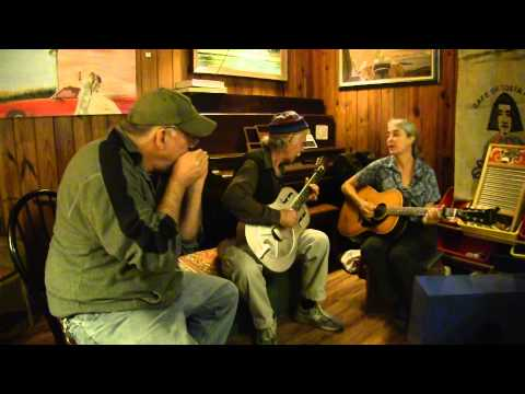 """Belmont and Jones perform""""Outdoor Blues"""" by Memphis Minnie"""