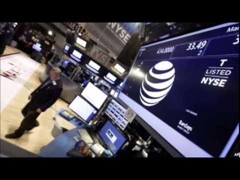 Apple Joins Dow Industrials, Nudges Out AT&T