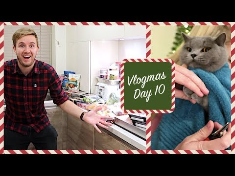 THE BIG CHRISTMAS FOOD SHOP & TRIMMING CLAWS! | CHRIS & EVE