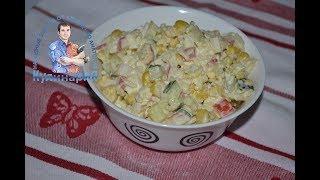 Крабовый салат классический с рисом и свежим огурцом