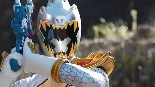 Power Ranger Dino Super Charge   El Ranger Plata aparece en la tierra y lucha contra los Rangers