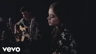 Video Shawn Mendes & Hailee Steinfeld - Stitches ft. Hailee Steinfeld download MP3, 3GP, MP4, WEBM, AVI, FLV September 2017