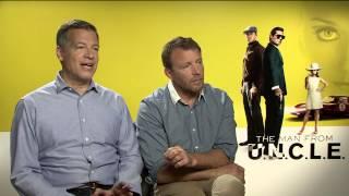 Zapętlaj The Man from U.N.C.L.E.: Director Guy Ritchie & Lionel Wigram Official Movie Interivew | ScreenSlam