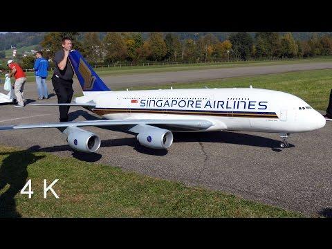 Gigantic RC Airbus A380 Singapore Airlines