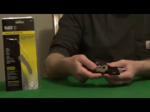 Assisted Open Utility Knife