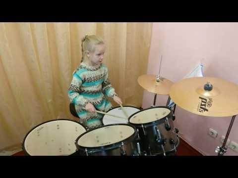 Данилина Маша, 8 лет.  Рондо-Токката,  Вечный Огонь.