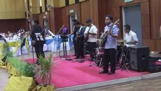 SYED IDID - Aaj Kal Tere Mere Pyar Ke Charche LIVE (Brahmachari Song)