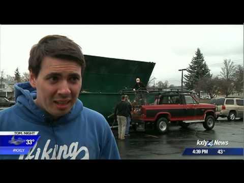 Volunteers give Logan Neighborhood major spring cleaning