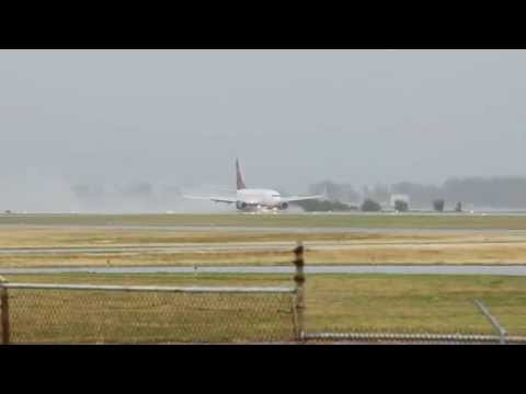 Delta 656 Arrives In Bermuda Gulfstream Jet Takes Off January 3 2012