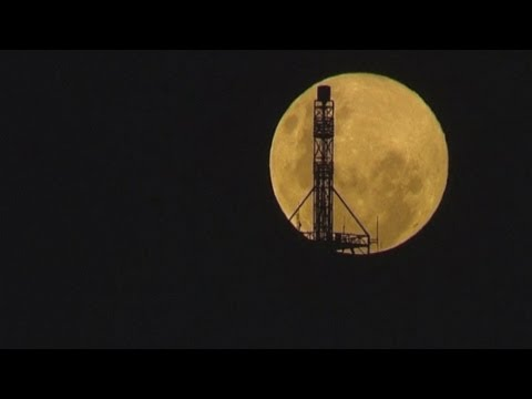 Supermoon caught on time-lapse cameras in Melbourne, Australia