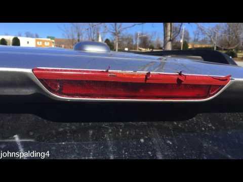 Replacing a 2005-2010 Honda Odyssey Third Brake Light
