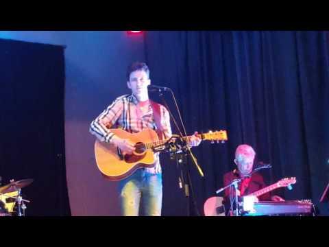 Jordan Modgy in Whitby social club Ellsmere Port in 2017(2)