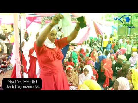 Download Bashasha za qaswida ya kihaya kwenye harusi ya Mr&Mrs. Mawlid