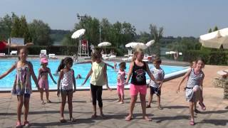Danse du Camping au Mini club !!
