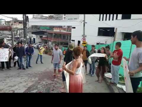 Protesta en Manizales por la presencia de Álvaro Uribe