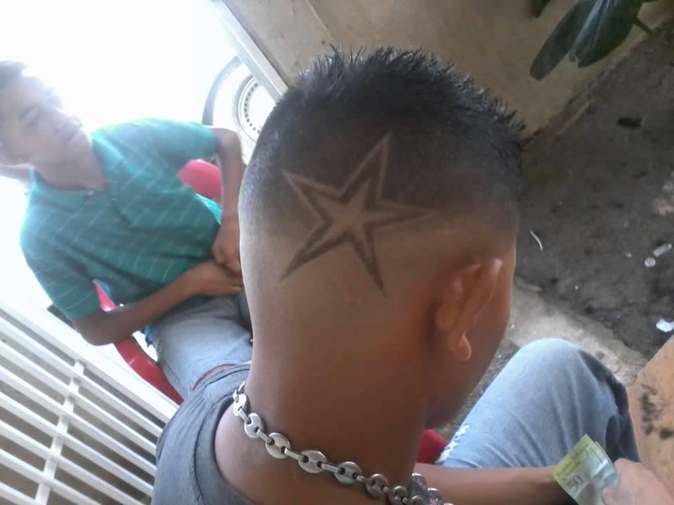 Cortes de pelo de hombre con estrellas