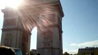 Accident sur les Champs Elysées
