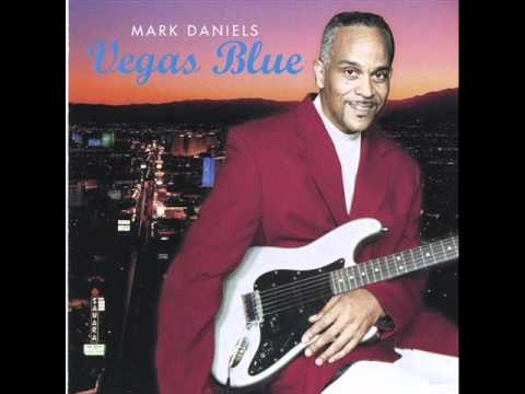 Mark Daniels - Vida