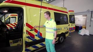 Ambulancechauffeur Robbert vertelt over zijn werk - Vlog #6