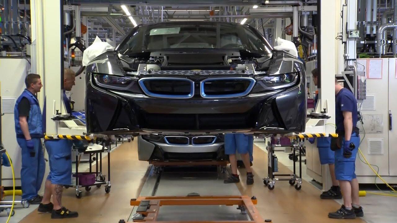 Так собирают Ваш БМВ i8. Assembling Your car BMW i8 - YouTube