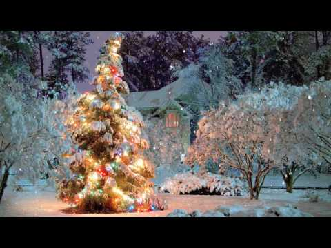🎄 Breathtaking Christmas Scene Snowfall Animation ~ 21 Songs!