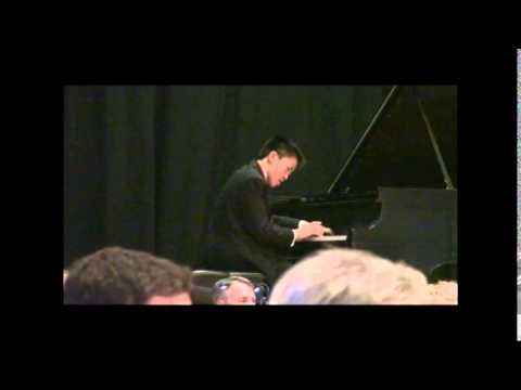 14 y.o. pianist plays Grieg Concerto with orchestra