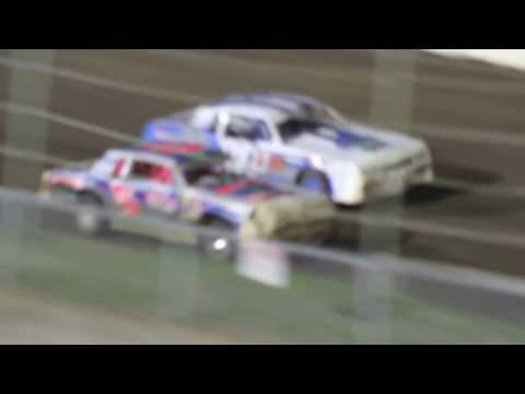 MVI 6194   I 80 SPEEDWAY 4/21/2017  STOCK CAR FEATURE PART #3
