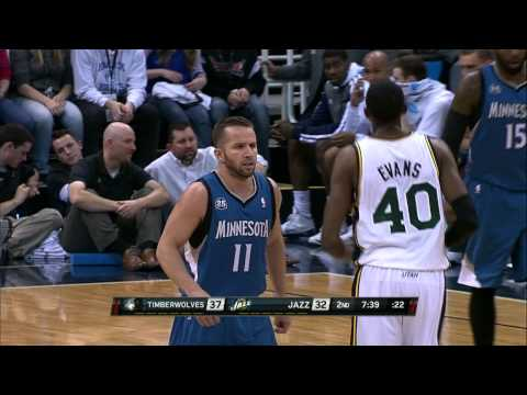 Shabazz Muhammad Throws the Oop Down in Traffic
