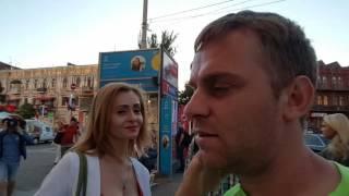 НОГИ У ЛЕСИ Опрос на улице ..КНИЖНЫЙ МАГАЗИН