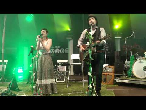 Mrs. Greenbird - Blitzkrieg Bop - live - Bremen Breminale 13.07.2013 - Ramones Cover