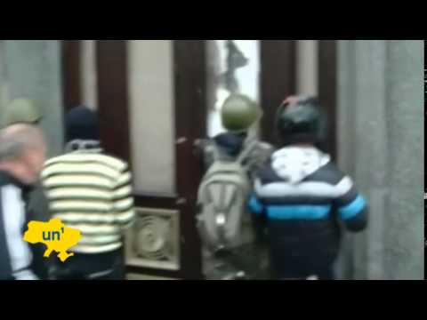 Pro-Moscow separatists seize Luhansk: Kyiv losing control in Donbass regional capital