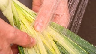 How to Clean Leeks - How to Trim, Halve, and Wash Leeks