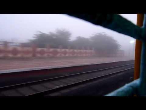 Gorakhpur Secunderabad Express encounters heavy fog and skips Katol near Nagpur