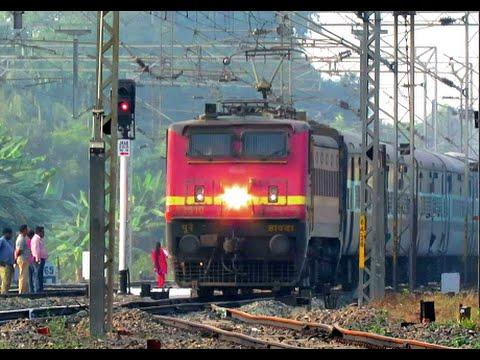12322 CSTM Howrah मुंबई मेल IMPERIAL MAIL कलकत्ता मेल via Allahabad Blaring Violantly on HB Chord