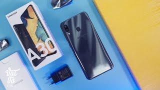 Mở hộp Galaxy A30: đáng mua hơn Xiaomi tầm trung?